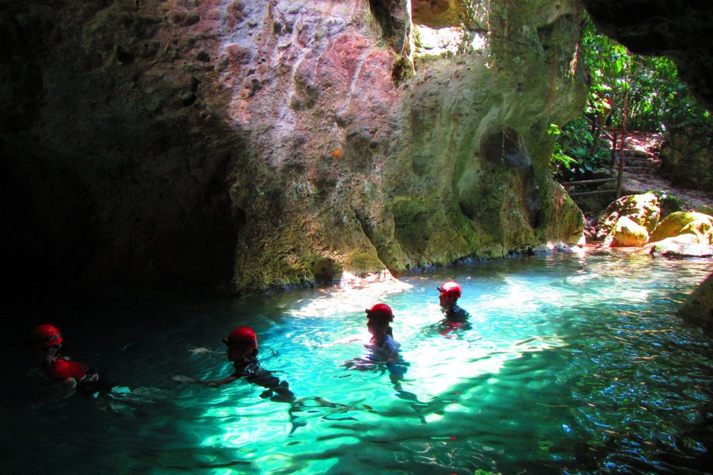ATM-Cave-Expedition-Viva-Belize